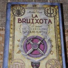 Libros de segunda mano: LA BRUIXOTA EN CATALAN LOS SECRETOS DEL INMORTAL NICOLAS FLAMEL MICHAEL SCOTT. Lote 51937872
