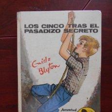 Libros de segunda mano: LOS CINCO TRAS EL PASADIZO SECRETO - ENID BLYTON - TAPA DURA - 1971 (V2). Lote 95936039