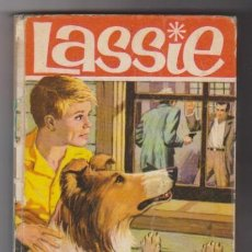 Libros de segunda mano: LASSIE. EL BOSQUE CANADIENSE. BRUGUERA 1966. COLECCIÓN HÉROES.. Lote 95994255