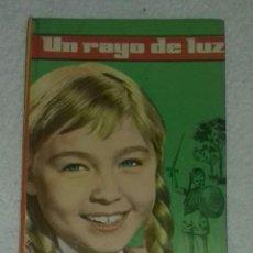 Libros de segunda mano: UN RAYO DE LUZ - MARISOL, COLECCIÓN CINEFA N°1. Lote 101025767
