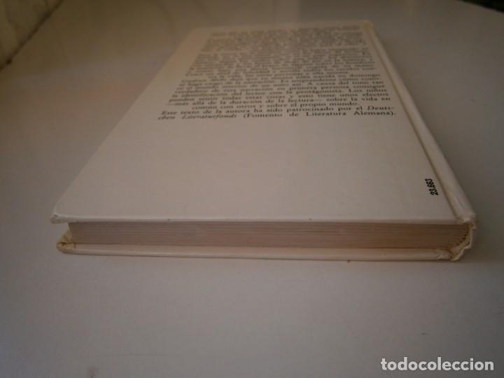Libros de segunda mano: NACIDA EN DOMINGO Gudrun Mebs Circulo de Lectores 1987 - Foto 6 - 146137446