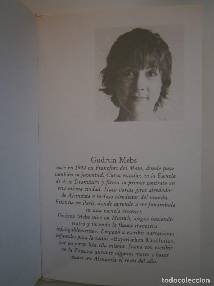 Libros de segunda mano: NACIDA EN DOMINGO Gudrun Mebs Circulo de Lectores 1987 - Foto 12 - 146137446