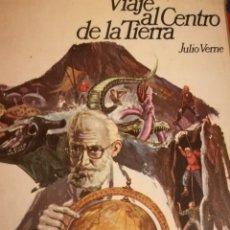 Libros de segunda mano: VIAJE AL CENTRO DE LA TIERRA JULIO VERNE, VOLUMEN EXTRA 314 PÁGINAS CON 56 ILUSTRACIONES.. Lote 151460452