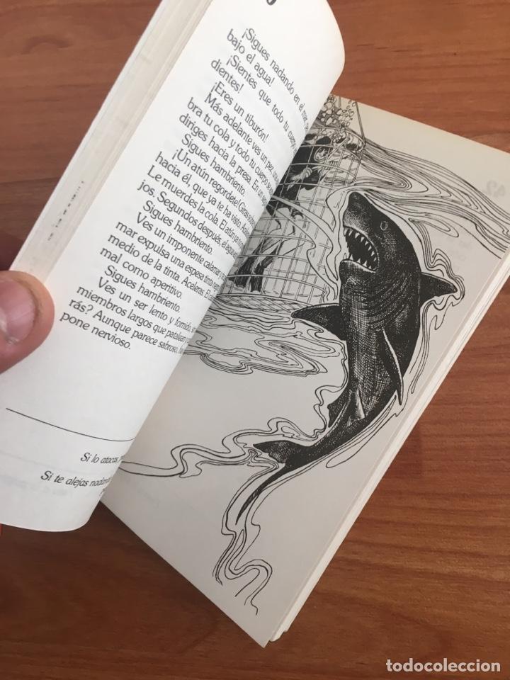 Libros de segunda mano: Elige tu propia aventura. Te conviertes en tiburón. NUMERO 32 TIMUN MAS - Foto 3 - 152162542