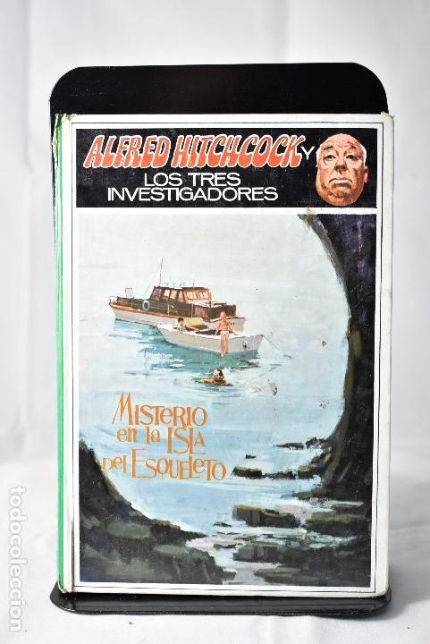 MISTERIO EN LA ISLA DEL ESQUELETO , HITCHCOCK , ALFRED (Libros de Segunda Mano - Literatura Infantil y Juvenil - Novela)