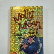 Libros de segunda mano: MOLLY MOON DETIENE EL MUNDO. - GEORGIA BYNG. EDITORIAL SM. TDK382. Lote 159501282