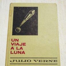 Libros de segunda mano: UN VIAJE A LA LUNA 4º EDICION DE HISTORIAS SELECCION. 1973. Lote 168447180