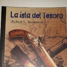 Libros de segunda mano: MISTERIO SUSPENSE LA ISLA DEL TESORO ROBERT STEVENSON PIRATAS INTRIGA BANDERA NEGRA BUCANERO SECRETO. Lote 200390981