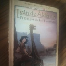 Libros de segunda mano: IVAN DE ALDENURI. EL BOSQUE DE LOS THAURROKS. J. PEREZ FONCEA. NOMBRE ANTERIOR DUEÑO Y FIRMADO AUTOR. Lote 206794206