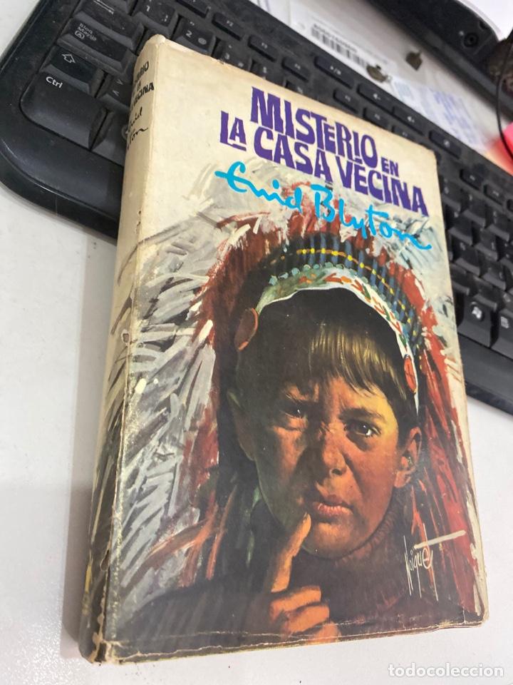 Libros de segunda mano: Misterio en la casa vecina - Foto 2 - 218806292