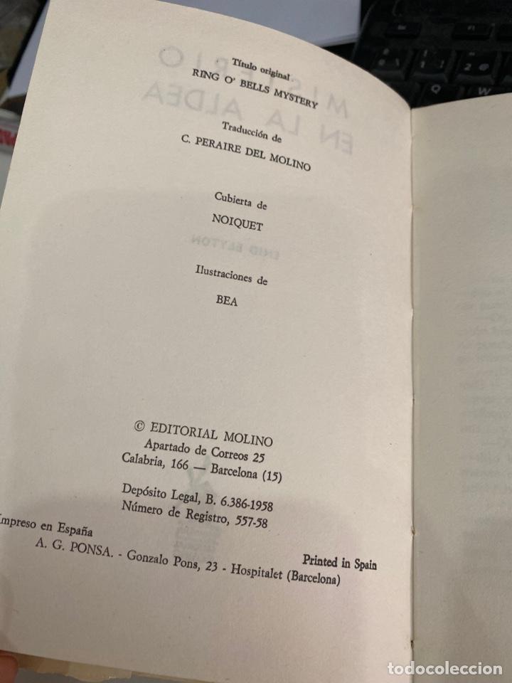 Libros de segunda mano: Misterio en la aldea - Foto 3 - 218806430