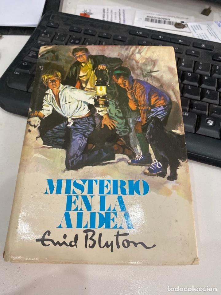 MISTERIO EN LA ALDEA (Libros de Segunda Mano - Literatura Infantil y Juvenil - Novela)