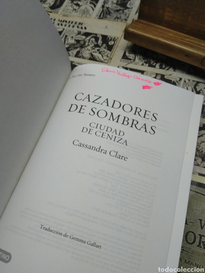 Libros de segunda mano: Cazadores de sombras. Ciudad de ceniza. Casandra Clare - Foto 3 - 222738527
