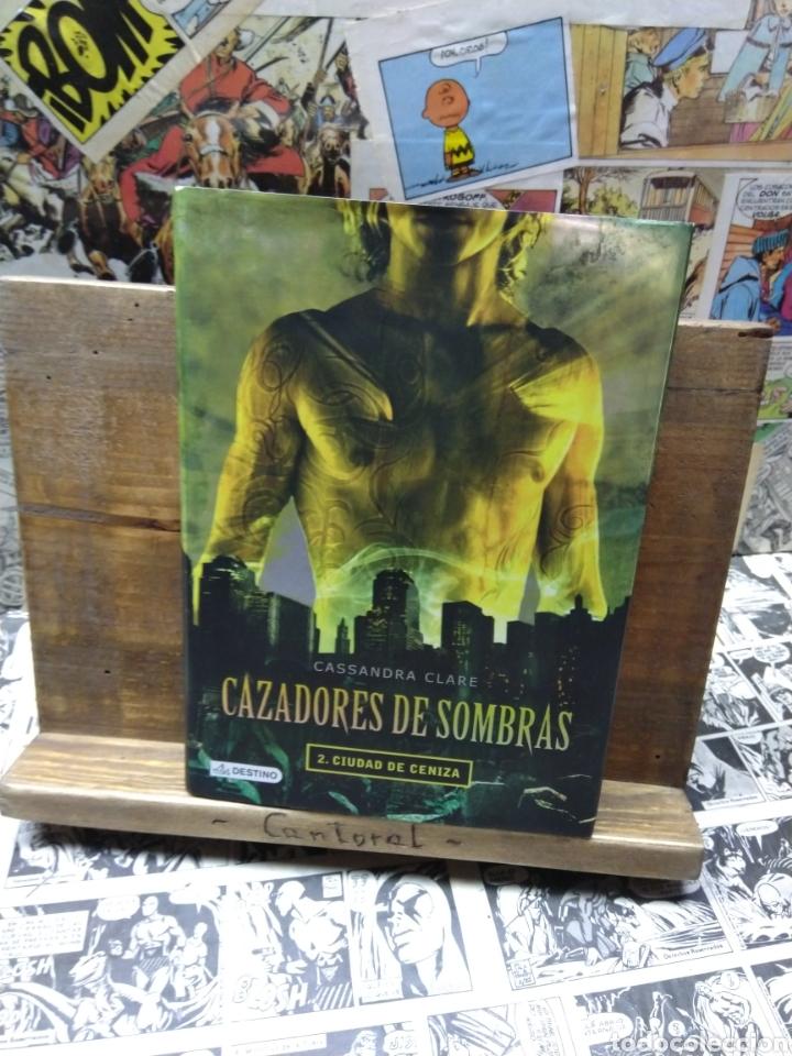 CAZADORES DE SOMBRAS. CIUDAD DE CENIZA. CASANDRA CLARE (Libros de Segunda Mano - Literatura Infantil y Juvenil - Novela)