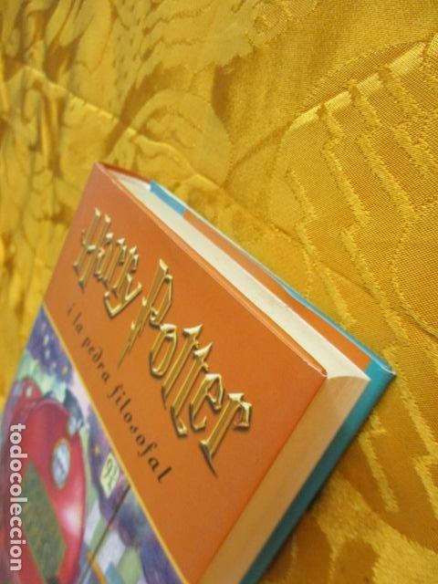 Libros de segunda mano: HARRY POTTER I LA PEDRA FILOSOFAL - J. K. ROWLING - EMPÚRIES - Foto 3 - 263100580