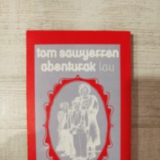 Libros de segunda mano: TOM SAWYERREN ABENRURAL LAU. Lote 252054535