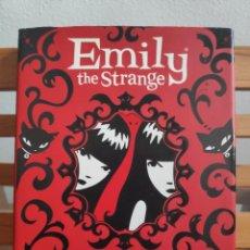 Libros de segunda mano: EMILY THE STRANGE, CADA VEZ MÁS EXTRAÑA. Lote 254054155