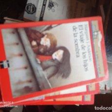 Libros de segunda mano: BARCO DE VAPOR SERIE ROJA - EL VIAJE DE LOS HIJOS DE LA SOMBRA. Lote 295471863