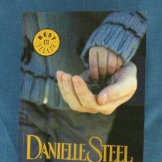 Libros de segunda mano: QUERIDO PAPÁ. DANIELLE STEEL. COL. BEST SELLER DEBOLSILLO, 2008, 1ª ED. LIBRO DE BOLSILLO. Lote 81013084