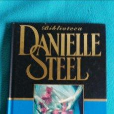 Libros de segunda mano: EL CLON (DANIELLE STEEL). Lote 57677231