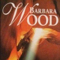 Libros de segunda mano: TIERRA SAGRADA (BARBARA WOOD) TAPA DURA - RBA - IMPECABLE. Lote 57958292