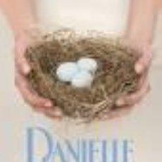 Libros de segunda mano: LAZOS DE FAMILIA (DANIELLE STEEL). Lote 71294335