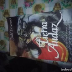 Libros de segunda mano: TIERRA AUDAZ. JUDE DEVERAUX. EST3B5. Lote 131140932