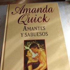 Libros de segunda mano: LIBRO AMANTES Y SABUESOS AMADA QUICK 2006 RBA L-14112. Lote 80808219