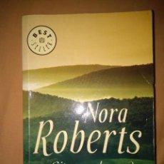 Libros de segunda mano: NORA ROBERTS CITA CON EL PASADO NARRATIVA ROMANTICA. Lote 81698028