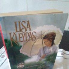 Libros de segunda mano: 13-SECRETOS DE UNA NOCHE DE VERANO, LISA KLEYPAS, 2007. Lote 114659799