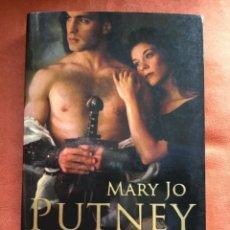 Libros de segunda mano: MARY JO PUTNEY - CAUTIVOS DEL DESTINO (BIBLIOTECA CISNE 43/10). Lote 115211191