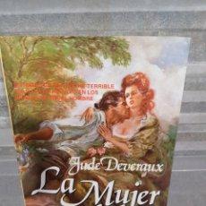 Libros de segunda mano: LA MUJER PERDIDA DE JUDE DEVERAUX. Lote 116126270