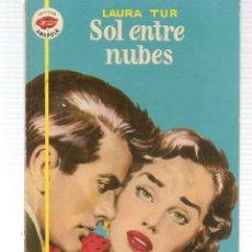 Libros de segunda mano: AMAPOLA. Nº 219. SOL ENTRE NUBES. LAURA TUR. BRUGUERA. 1956.(ST/C29). Lote 116506039