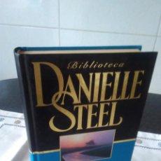 Libros de segunda mano: 74-EL LARGO CAMINO A CASA, DANIEL STEEL, 2001. Lote 116532083
