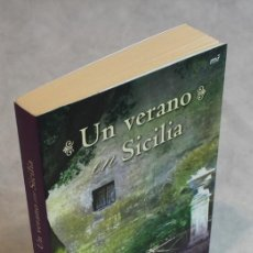 Livres d'occasion: UN VERANO EN SICILIA,MARLENA DE BLASI,EDICIONES MARTÍNEZ ROCA,2009.. Lote 124322723