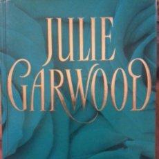 Libros de segunda mano: EL RESCATE - JULIE GARWOOD * RBA 2006. Lote 131181352