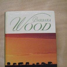 Libros de segunda mano: BAJO EL SOL DE KENIA - BARBARA WOOD. Lote 139502758