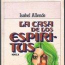 Libros de segunda mano: LA CASA DE LOS ESPÍRITUS DOS FOTOGRAFÍAS ((VIEJECILLO)). Lote 140031722