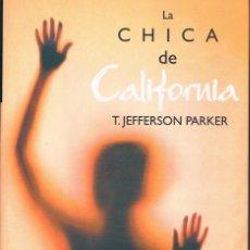 Libros de segunda mano: LA CHICA DE CALIFORNIA DOS FOTOGRAFÍAS ((COMO NUEVO)). Lote 140032002