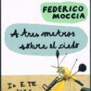 Libros de segunda mano: A TRES METROS SOBRE EL CIELO DOS FOTOGRAFÍAS ((COMO NUEVO)). Lote 140047110