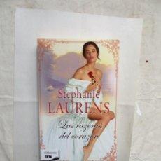 Libros de segunda mano: NOVELA ROMANTICA - LAS RAZONES DEL CORAZON DE STEPHANIE LAURENS . Lote 157388050