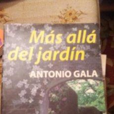 Libros de segunda mano: MAS ALLA DEL JARDIN - EDICION DE BOLSILLO. Lote 160467526