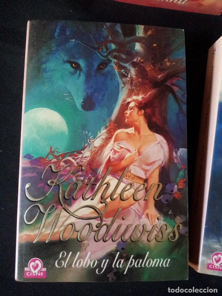 Libros de segunda mano: KATHLEEN WOODIWISS - LOTE DE 9 LIBROS - COLECCION CISNE - Foto 2 - 172732007