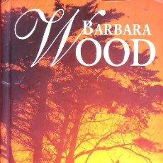 Libros de segunda mano: BAJO EL SOL DE KENIA (BARBARA WOOD). Lote 179066806