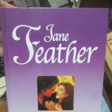 Libros de segunda mano: VANIDAD, JANE FEATHER. L.6611-633. Lote 179221341
