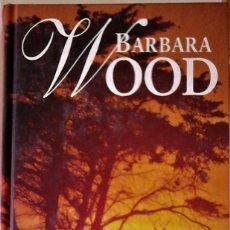 Libros de segunda mano: BARBARA WOOD - BAJO EL SOL DE KENIA. Lote 181037680