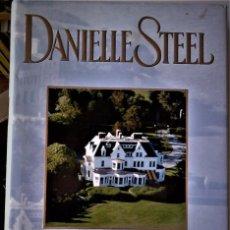 Libros de segunda mano: DANIELLE STEEL - LA VILLA. Lote 187086617