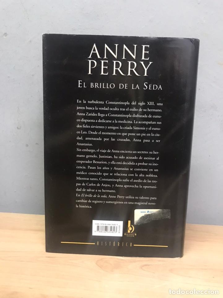 Libros de segunda mano: El brillo de la seda por Anne Perry primera edición 2010 - Foto 3 - 194488940