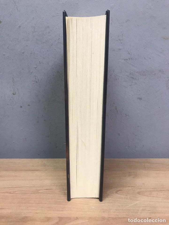 Libros de segunda mano: El brillo de la seda por Anne Perry primera edición 2010 - Foto 4 - 194488940