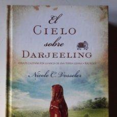 Libros de segunda mano: LIBRO EL CIELO SOBRE DARJEELING. Lote 194991973